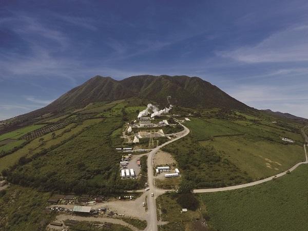 Domo de San Pedro geothermal plant