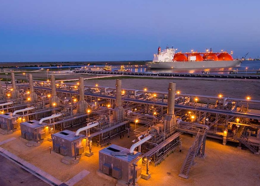 U.S. LNG firm enters 13-year supply deal with Asian gas import group